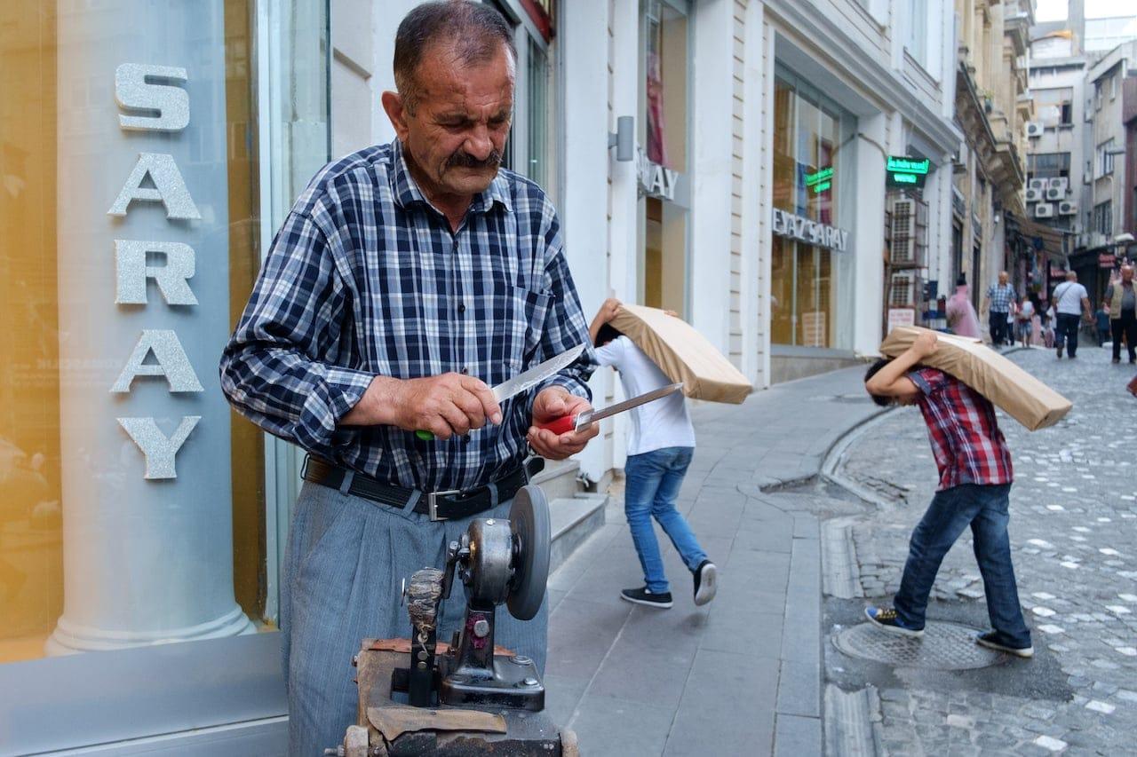 Istanbul - Knife man