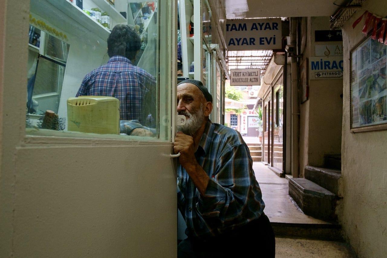 Istanbul - old man eyeballing
