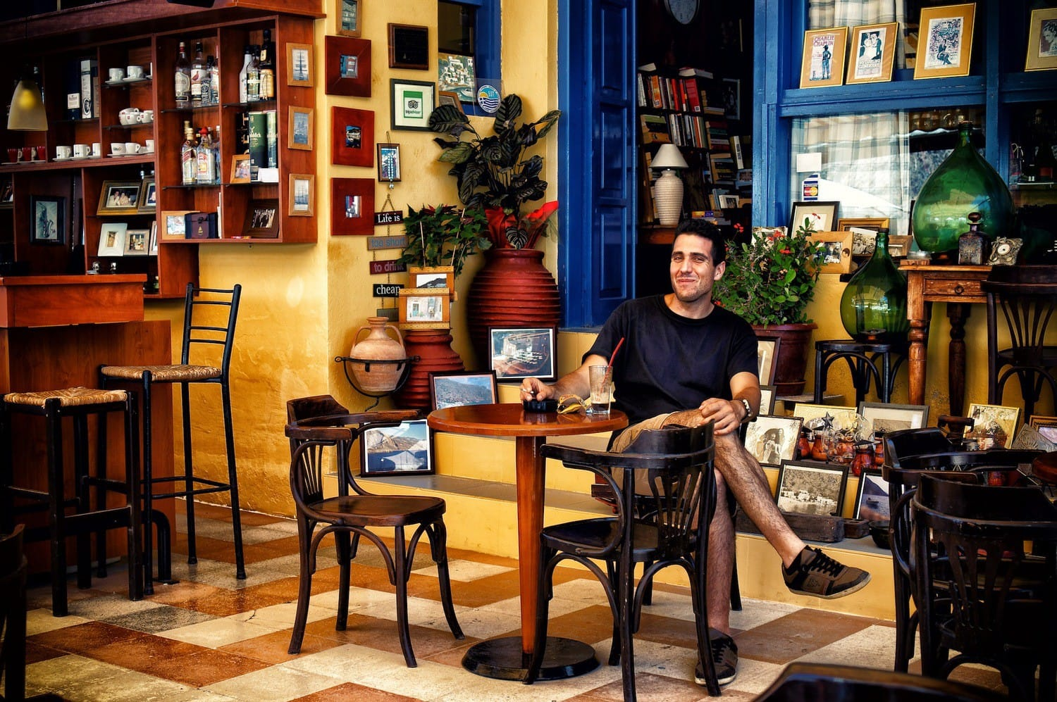 christos-the-cafe-owner