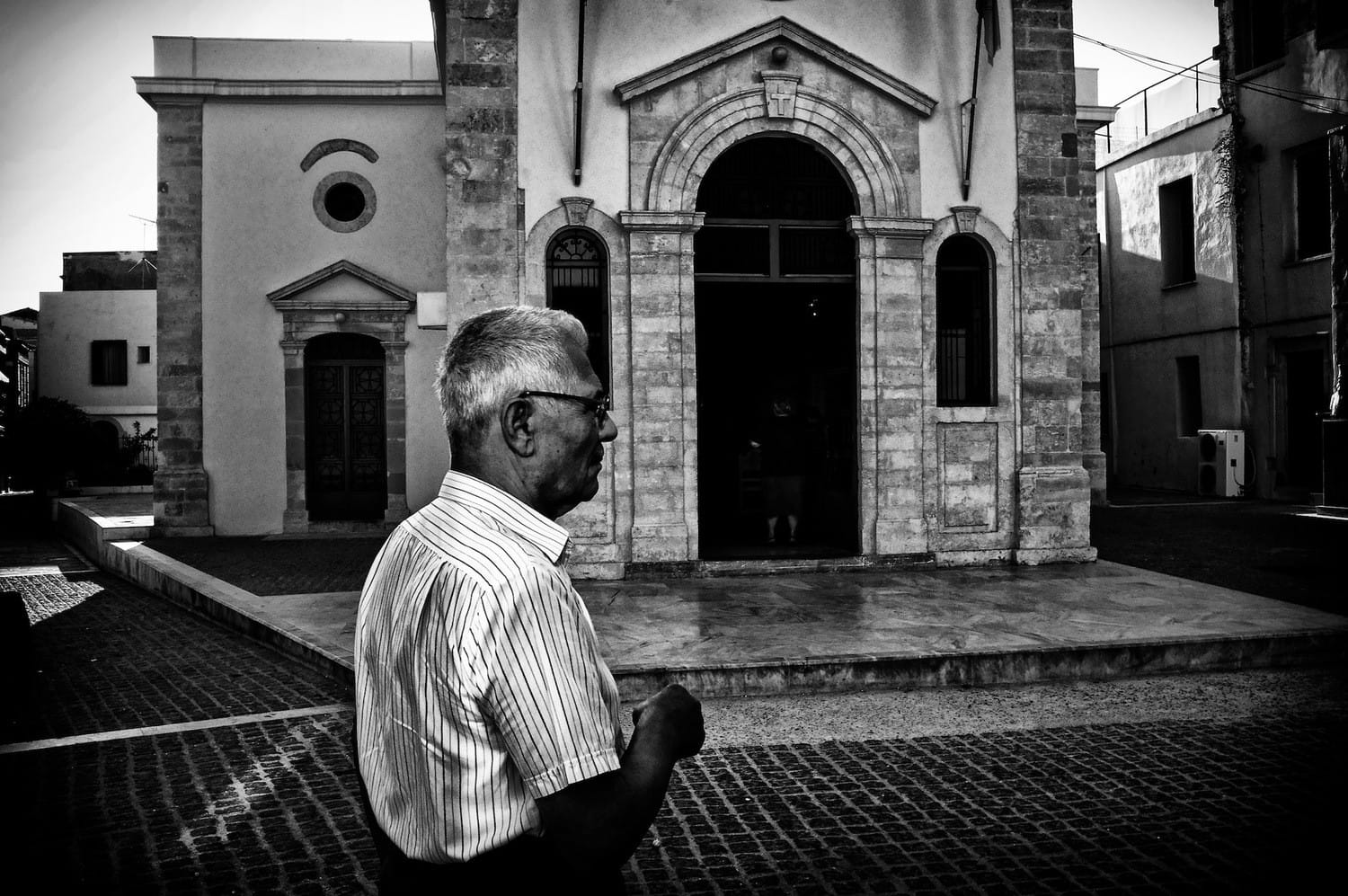 going-to-church-bw