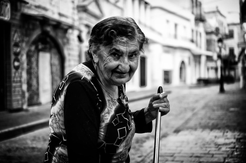 granny-street-portrait
