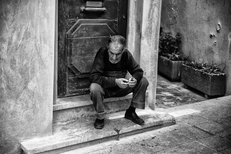 pondering-old-man-bw