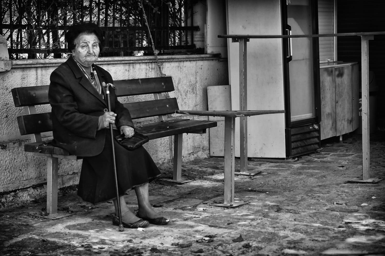 sitting-on-a-bench-ph