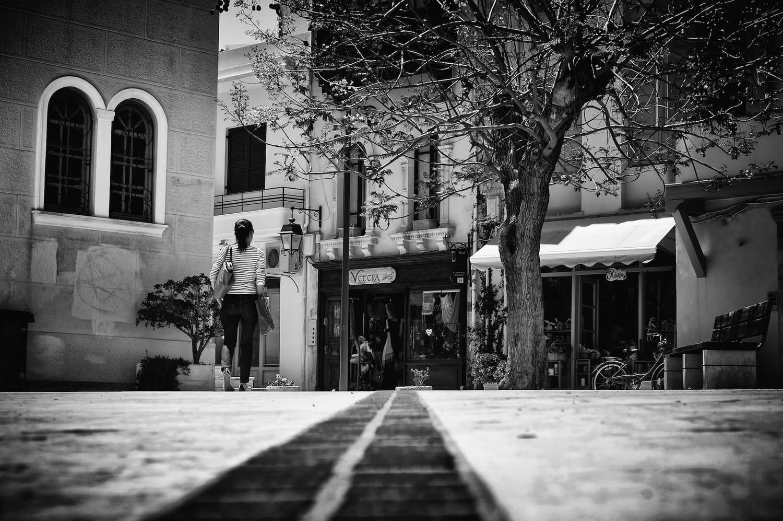 walking-in-the-churchyard