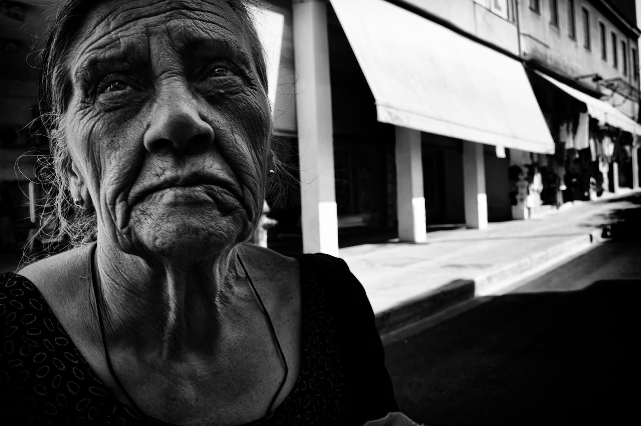 Posed Street Portraits vs Candid Street Portraits in Street Photography