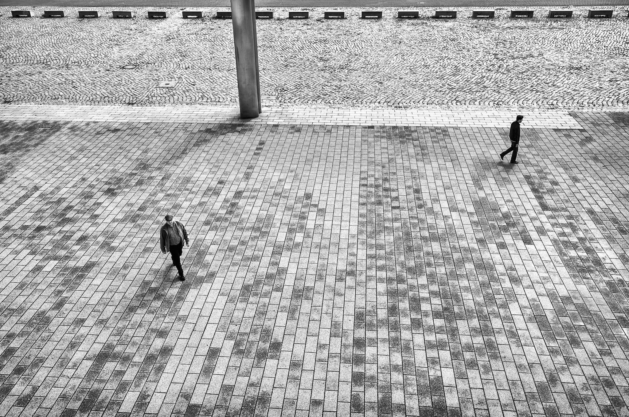Just two pedestrians by Theodoros Topalis. Bürgerweide in Bremen, 01.07.14