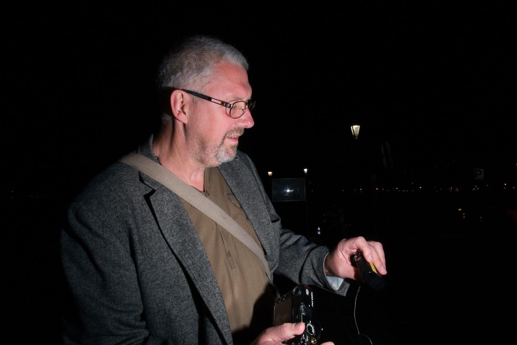 Dan Berntsson with his Fujifilm X-Pro1 and PC Cord flash