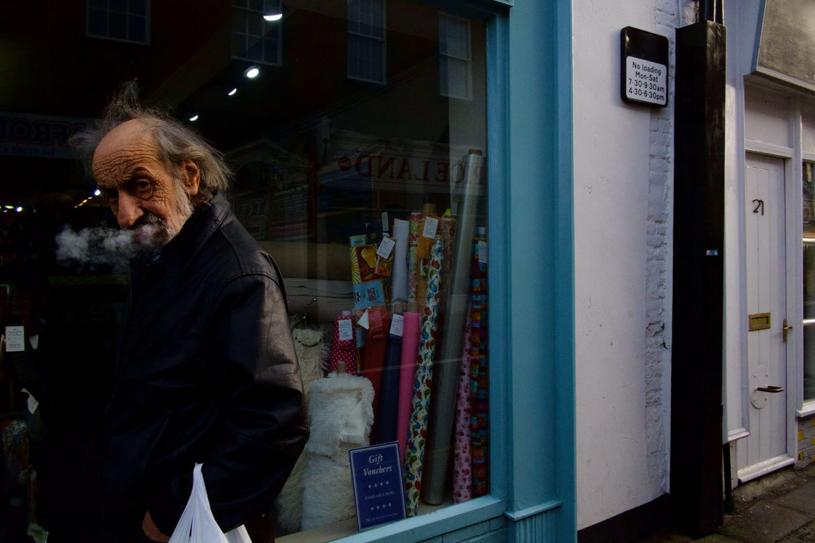 28mm - The Perfect Lens for Street Photography?