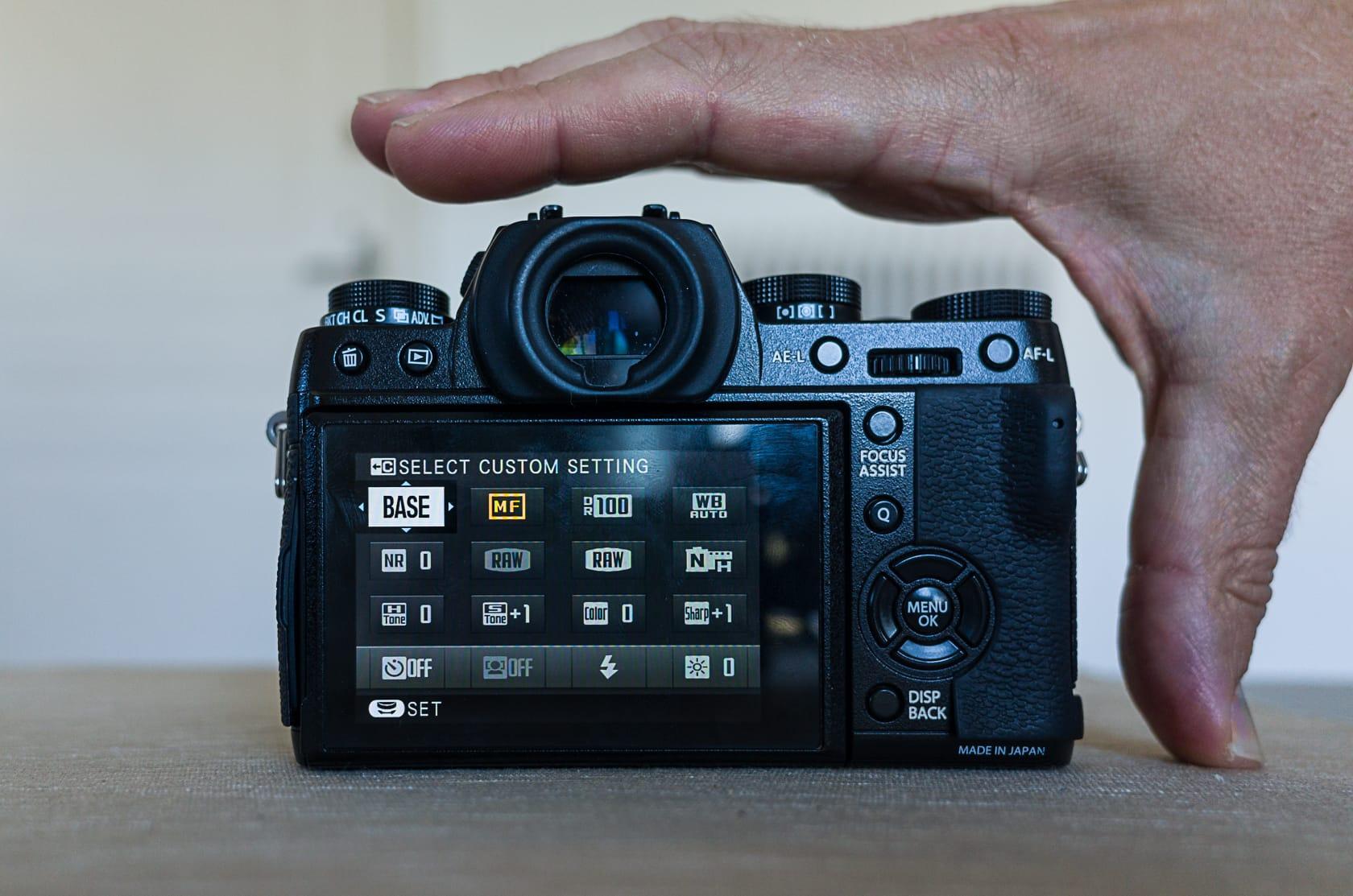 Fujifilm X-T1 size & portability