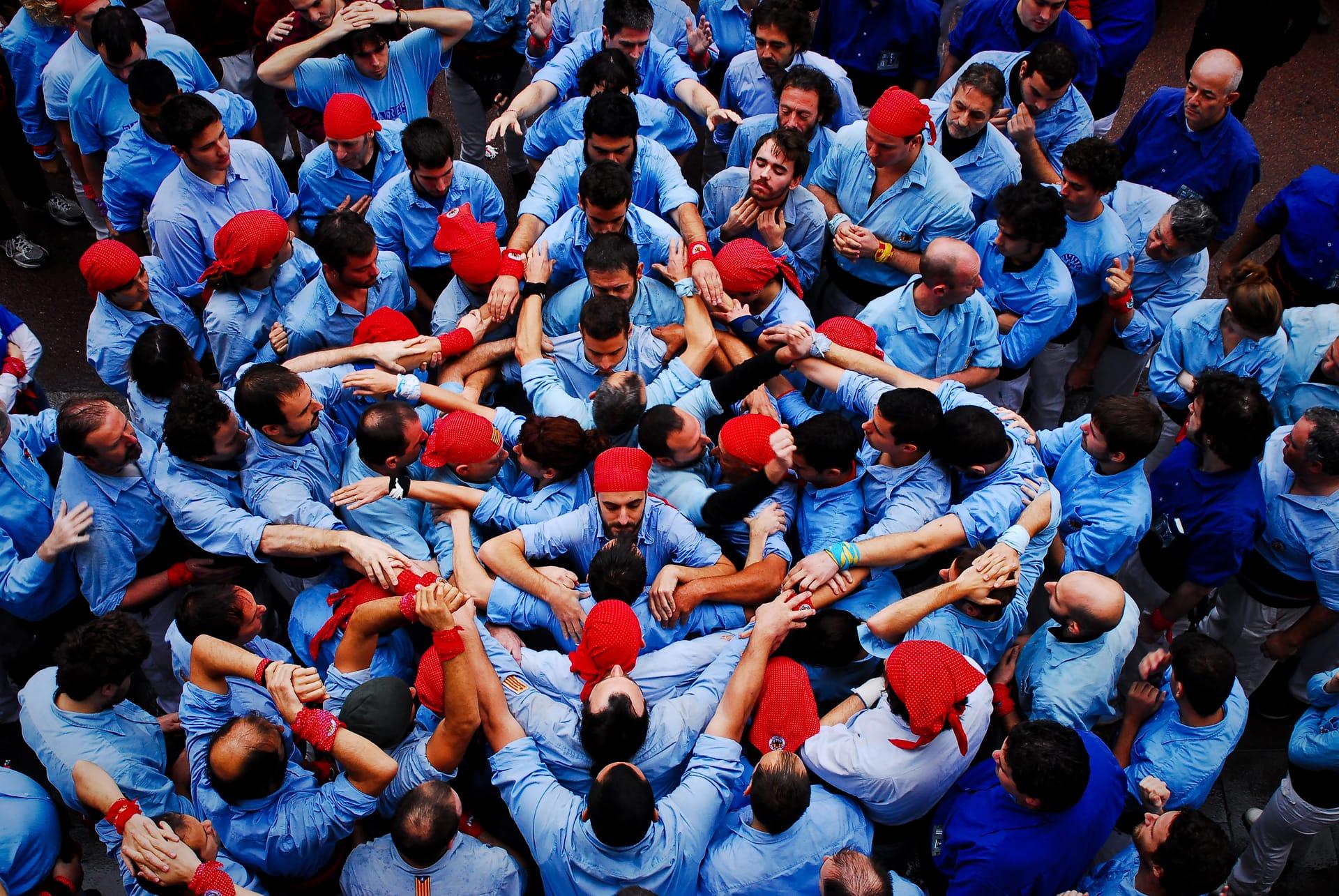 """The Colour Blue"" street photograph by Sergi Escribano"
