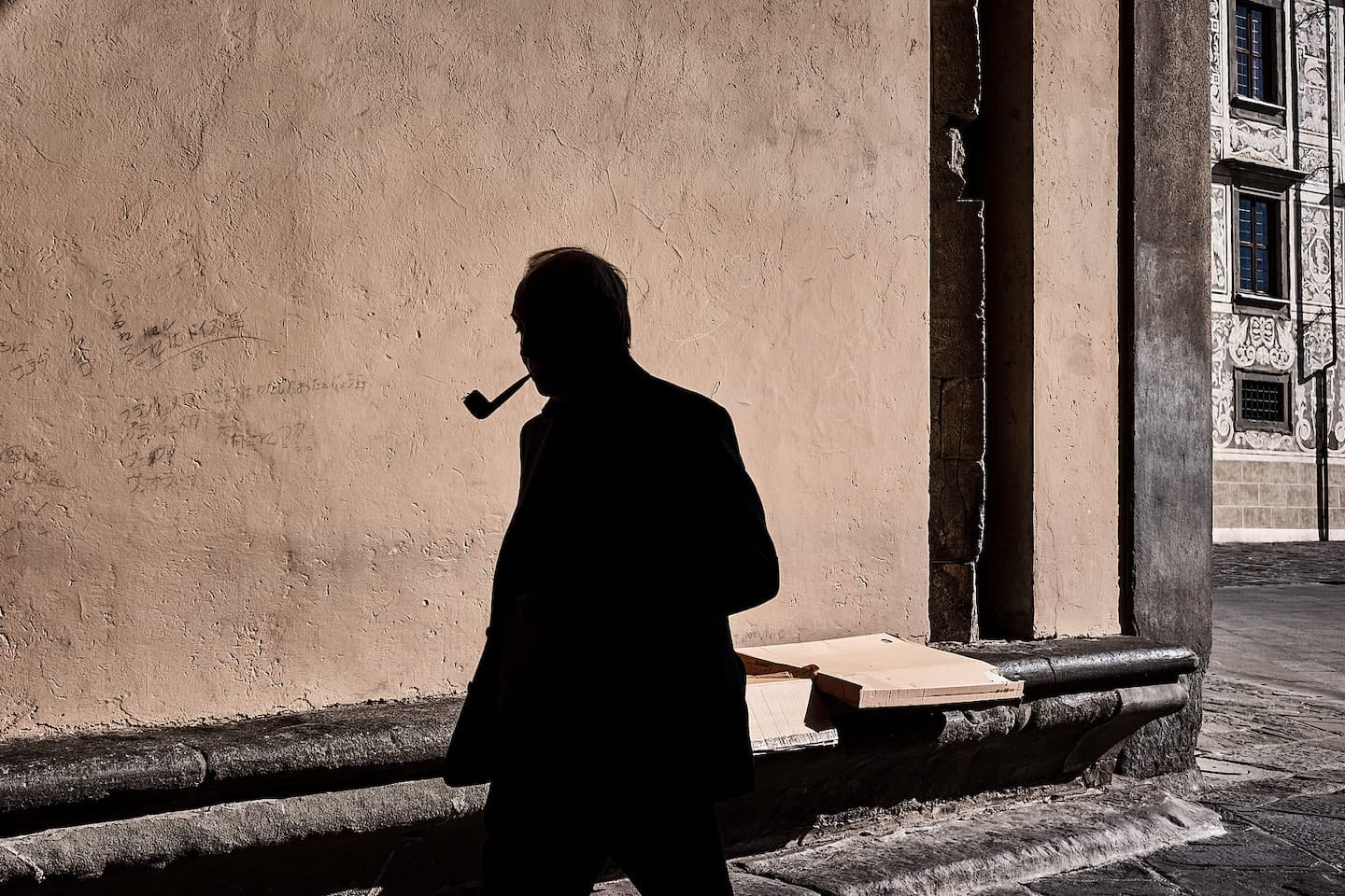 Street Photo by Alfredo Aleandri, winner of the October 2017 Street Photography competition.